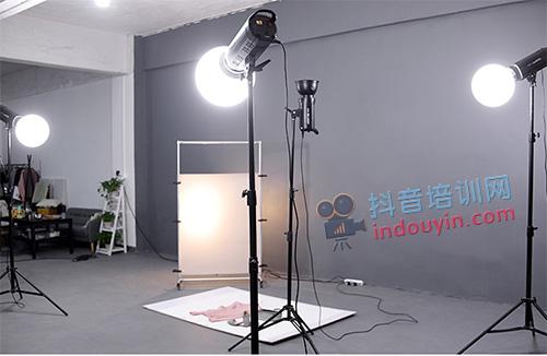 抖音拍视频技巧:怎么打光才更好?